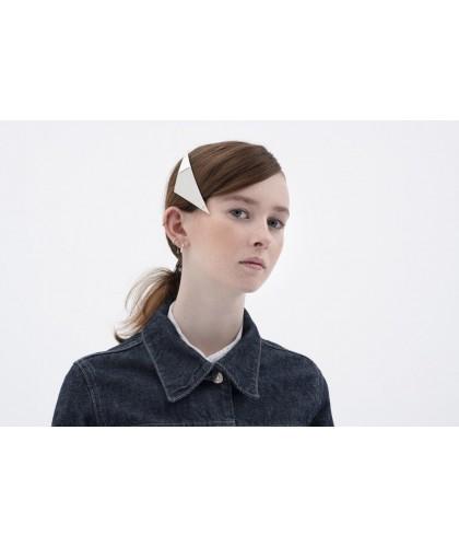 Tendance coiffures 2021, barrette cheveux triangle