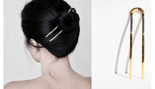Hairpin, hairstyle in a single gesture